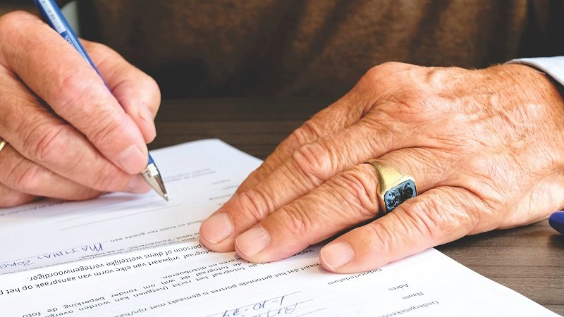 Electronic witnessing of wills to be made lawful in England and Wales image